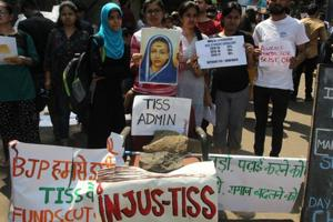 Mumbai, India - Mar. 05, 2018: TISS students protest in front of the institute's main gate in Deonar Mumbai ,India, on Monday, March 05, 2018. (Photo by Praful Gangurde/ Hindustan Times)