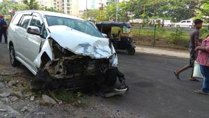 The accident took place around 1am near Akshar junction in Nerul.