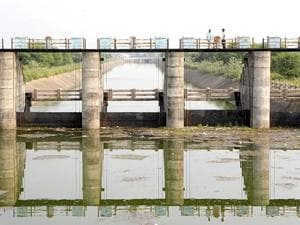 The ACB is probing nearly 40 tenders of Gosikhurd project as part of its Vidarbha scam .