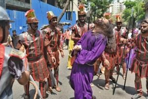 Mumbai churches observe Good Friday, take out processions