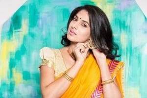Wondering what jewellery to wear with your sari? We have got you...