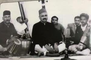Pandit Vinayak Rao Patvardhan rendering a vocal recital, with Ustad Ahmad Jan Thiraka on tabla, in 1949.