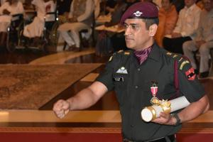MS Dhoni receives Padma Bhushan, impresses all in army uniform