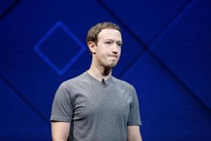 Facebook data scandal has left Zuckerberg isolated in tech