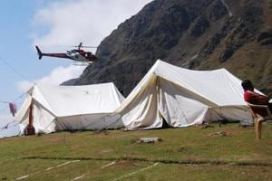 The helicopter service cost is ₹3000-7000 per person depending on the distance of helipad.