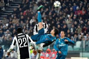 Cristiano Ronaldo sets Champions League record with goal against...