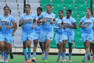 Indian women's hockey team lost 3-2 to Wales in their opening Pool A match to start their Gold Coast Commonwealth Games 2018 campaign on a losing note.