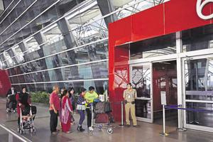 A CISF security personnel stands vigil outside the IGI airport T3 terminal, New Delhi (File Photo)