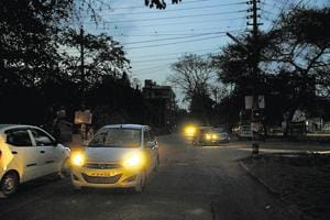 Gurgaon: Discom cuts supply to street lights in Sushant Lok-1 over...
