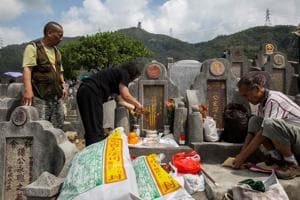 China's Tomb Sweeping festival gets new age twist