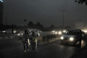 Traffic affected, flights and Metro delayed as severe dust storm hits...