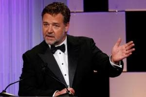 Russell Crowe holds 'Divorce' auction, sells movie props for almost $3...