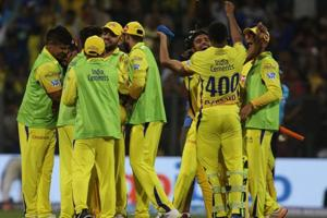 Dwayne Bravo blasted 68 off 30 balls to help Chennai Super Kings to a thrilling one-wicket win over Mumbai Indians.