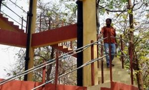 Lucknow:Contractor climbs water tank, threatens to kill self if...