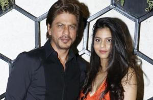Shah Rukh Khan and Suhana cheer their team KKR at IPL 2018 match. See...