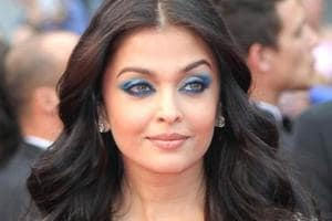 Fashion lovers, take note. Blue eyeshadow is the boldest beauty trend...