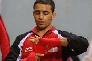 Amit Panghal beat Aqeel Ahmed 4-1 in the quarterfinals at the 2018 Commonwealth Games.