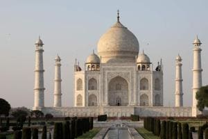 Taj ownership dispute: SC asks Waqf Board for documents signed by Shah...