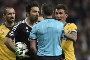 Juventus' Gianluigi Buffon blasts referee after red card  vs Real...