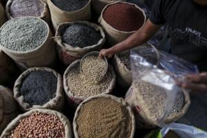 Modi puts inflation goals at risk to meet MSP promise to farmers