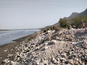 '2,000 truckload of debris dumped at wetlands near Mumbai'
