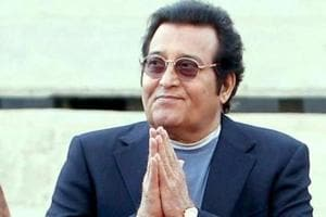 Vinod Khanna has been posthumously awarded with Dadasaheb halke at the 65th National Film Awards.