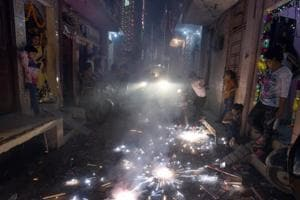 Firecracker fumes can cause miscarriage, stunt growth: Govt
