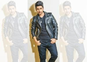 Armaan Malik thinks that the best thing about his contemporary singers is that they  are all friends and have a healthy competition among them ( Make-up; Baba Chaursiya)