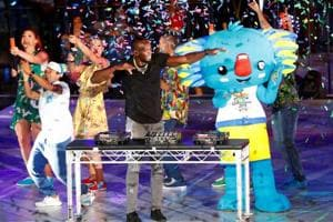 Usain Bolt the DJ spins tracks as 2018 Commonwealth Games come to a...