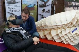Suicide machine draws crowd at Amsterdam funeral show. Here's how it...