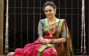 Actor Amruta Khanvilkar will be buying a traditional jewellery set for her mom on Akshaya Tritaya