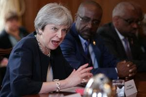 PM May apologises to Commonwealth leaders for immigration row