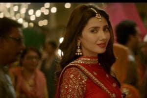 Mahira Khan recreates Ranbir Kapoor's grandad Raj Kapoor's song. Watch...