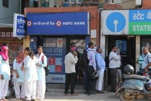 Cash crunch continues in many states, but banks say situation...