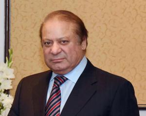 Nawaz Sharif leaves for London to visit his ailing wife Kulsoom