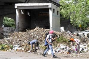 Noida: Villagers let authority dump waste in Sector 68 for 10 days