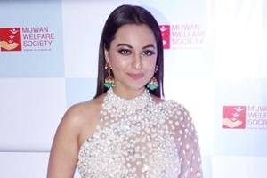 At Mijwan 2018, Sonakshi Sinha was the picture of radiance in this...
