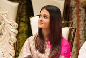 Aishwarya Rai, Sonam Kapoor add glamour and Bollywood to friend's...