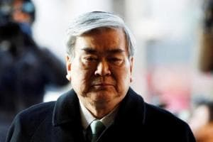 Korean Air boss apologises for daughters' immature behaviour, say they...