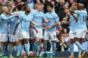 Premier League: Manchester City  turn on the style to beat Swansea...