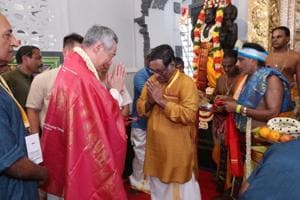Singapore PM leads 40,000 devotees in Hindu temple reconsecration...