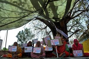 Photos: Kathua case turns flashpoint for grievances between Jammu and...