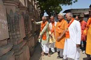 VHP chief visits Ayodhya, says Ram temple will be reality soon