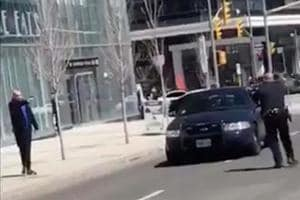 Toronto police officer draws praise for refusing to shoot van suspect