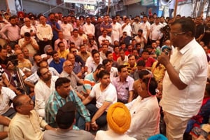 BJP MLA Som Parkash addressing the protesters in Phagwara on Wednesday.