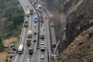 The 94km Pune-Mumbai expressway has three lanes in each direction and each serve a different purpose.The first lane (one adjacent to the divider) is for overtaking, the second lane is for light vehicles and the third one is for buses and other heavy vehicles. However, most motorists do not follow these rules.