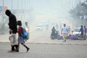 Officials have stated that the maximum temperature in the city in the coming week upto May 2 will be around 38 degrees Celsius while the minimum temperature is expected to increase to 19 degrees Celsius during the period.