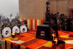 Service chiefs pay homage to martyrs at Amar Jawan Jyoti at India Gate in New Delhi.