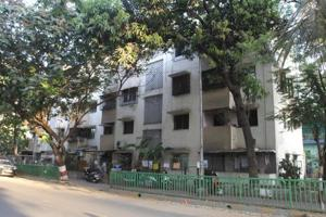 One of the old buildings at Shreerang in Thane which has been declared dangerous.