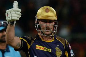 Kolkata Knight Riders opener Chris Lynn guided his team to victory over Royal Challengers Bangalore with an unbeaten knock of 62.
